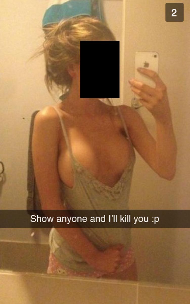 Фото девушек без лифчика в трусиках без лица 18 фотография