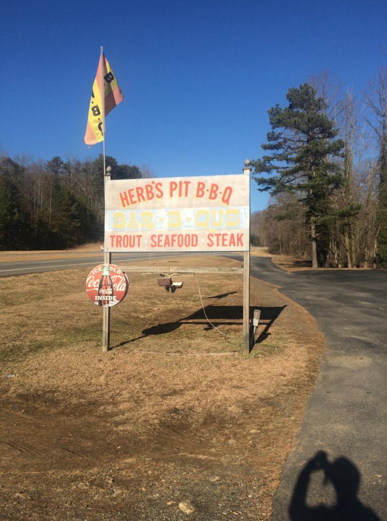 herbs-pit-bbq-murphy-sign