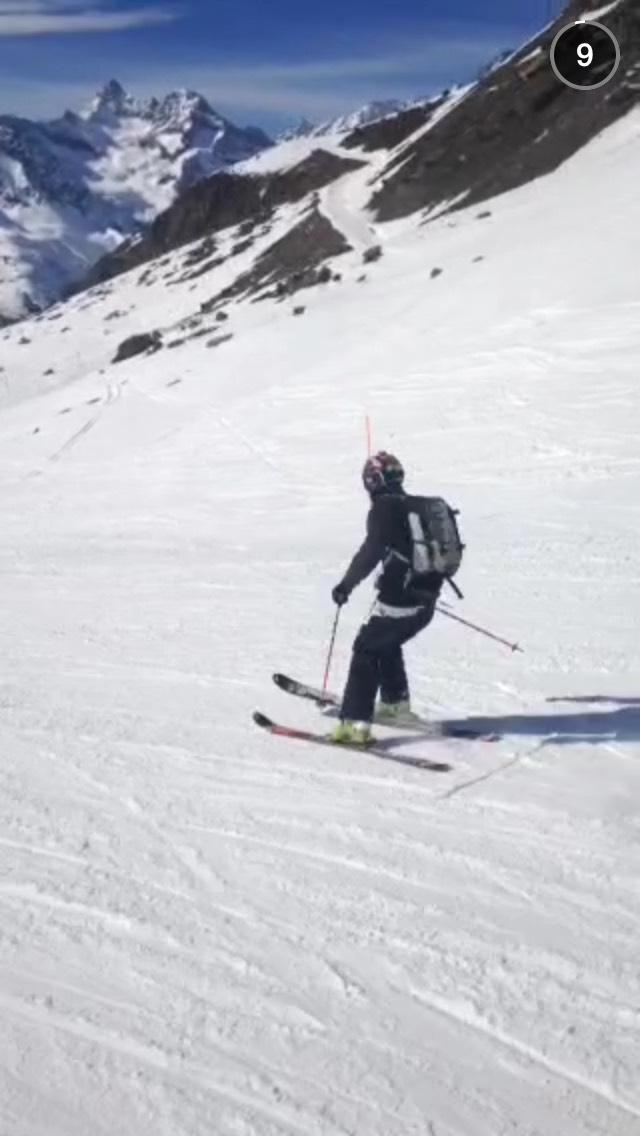 skiing-on-snapchat