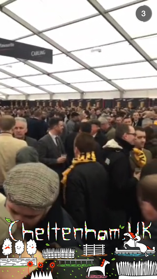 cheltenham-snapchat-crowd