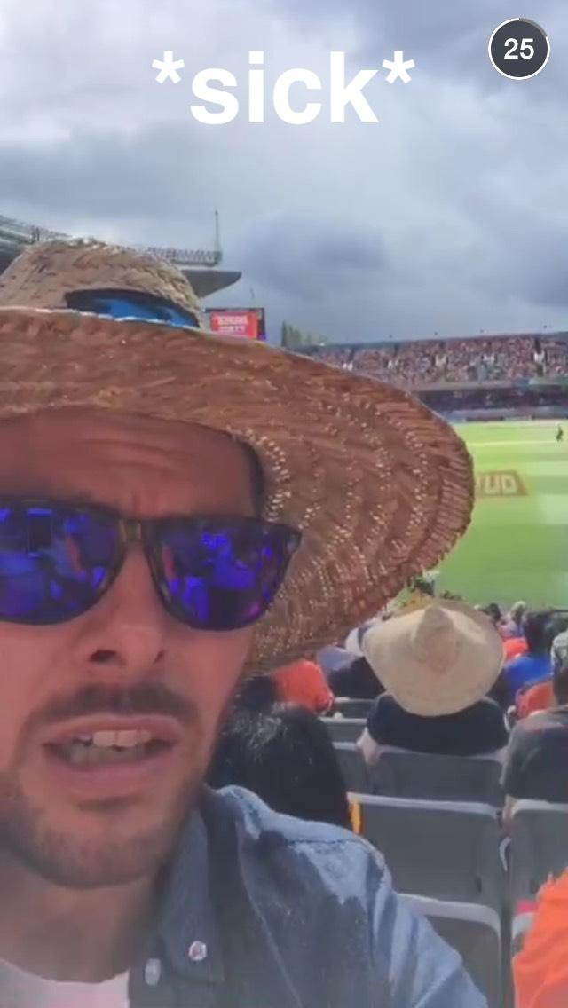 fans-in-australia-snapchat-story