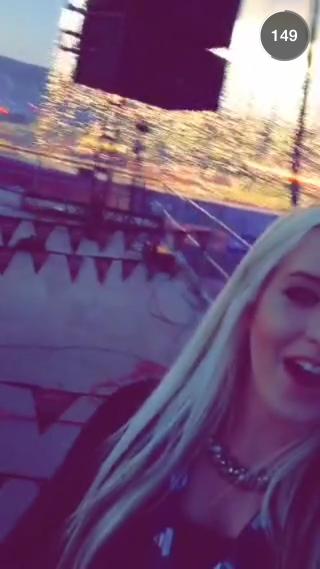girl-at-monsterjam-snapchat-story