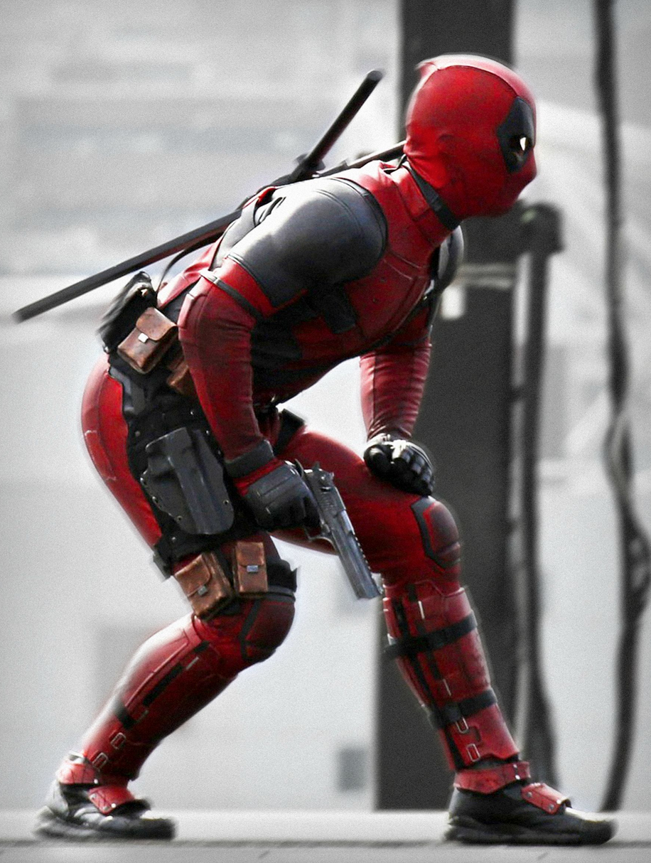 ryan-reynolds-deadpool-pistol