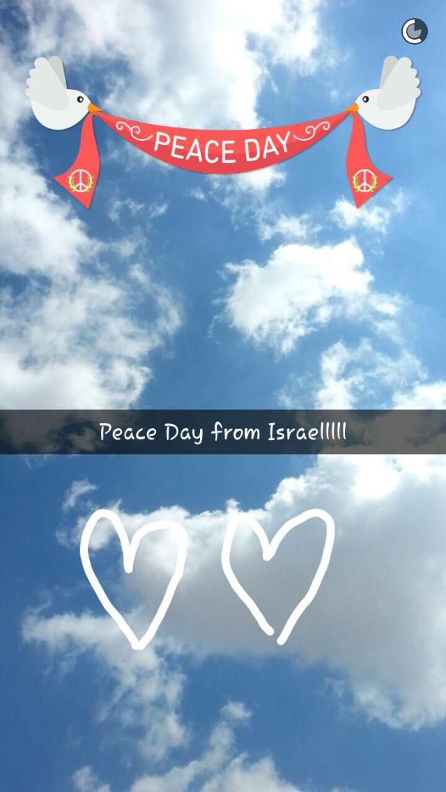 snapchat-peace-sky