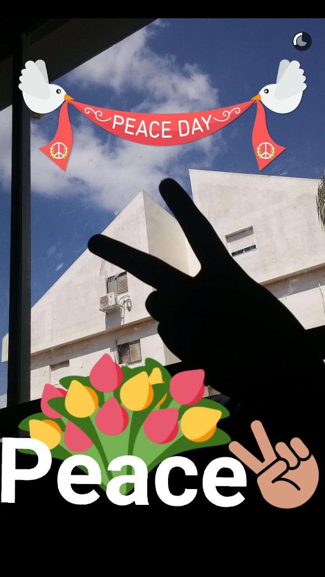 peace-symbol-snapchat