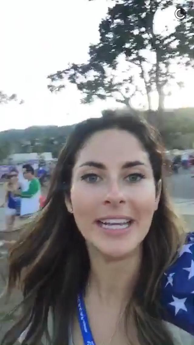 brunette-girl-usa-soccer-snapchat