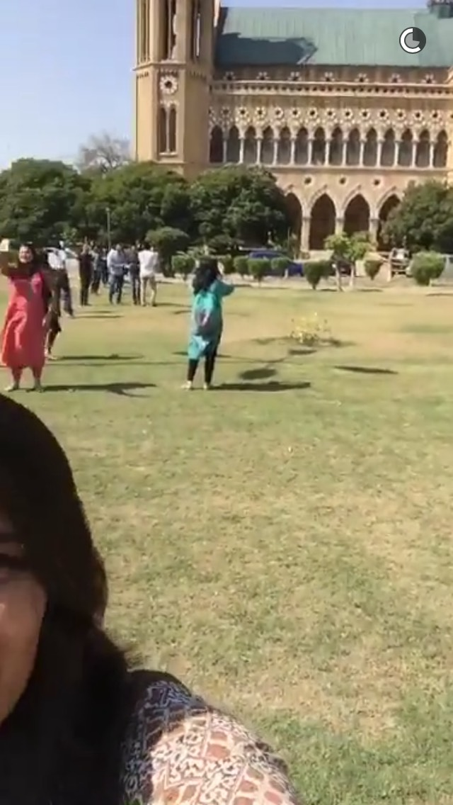 pakistan-building-snapchat-story