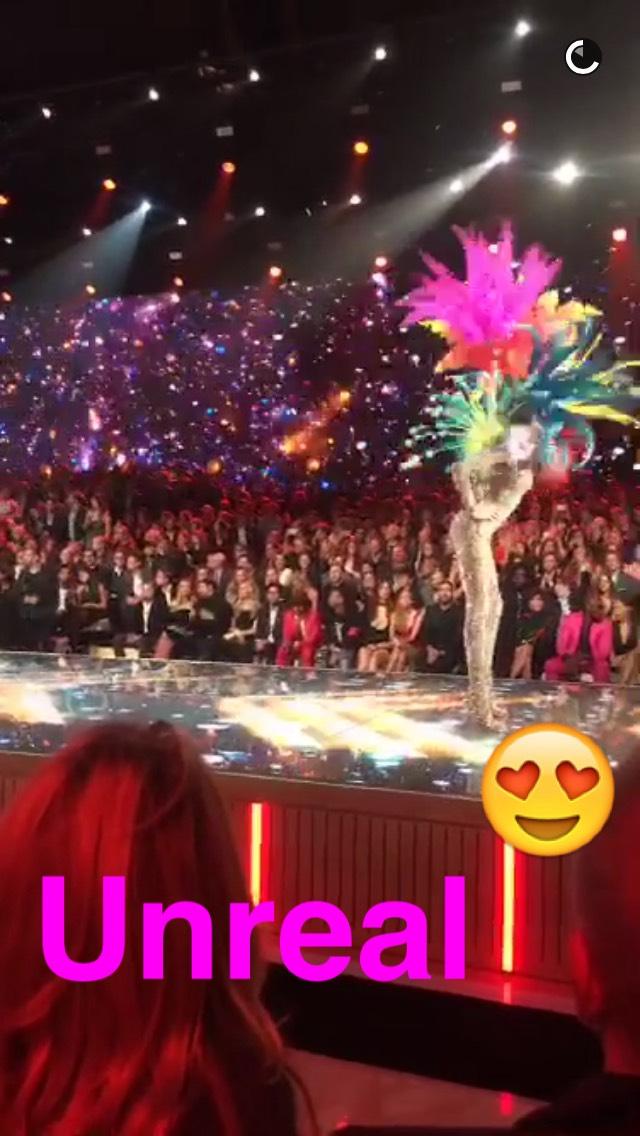 wings-snapchat-vs-show