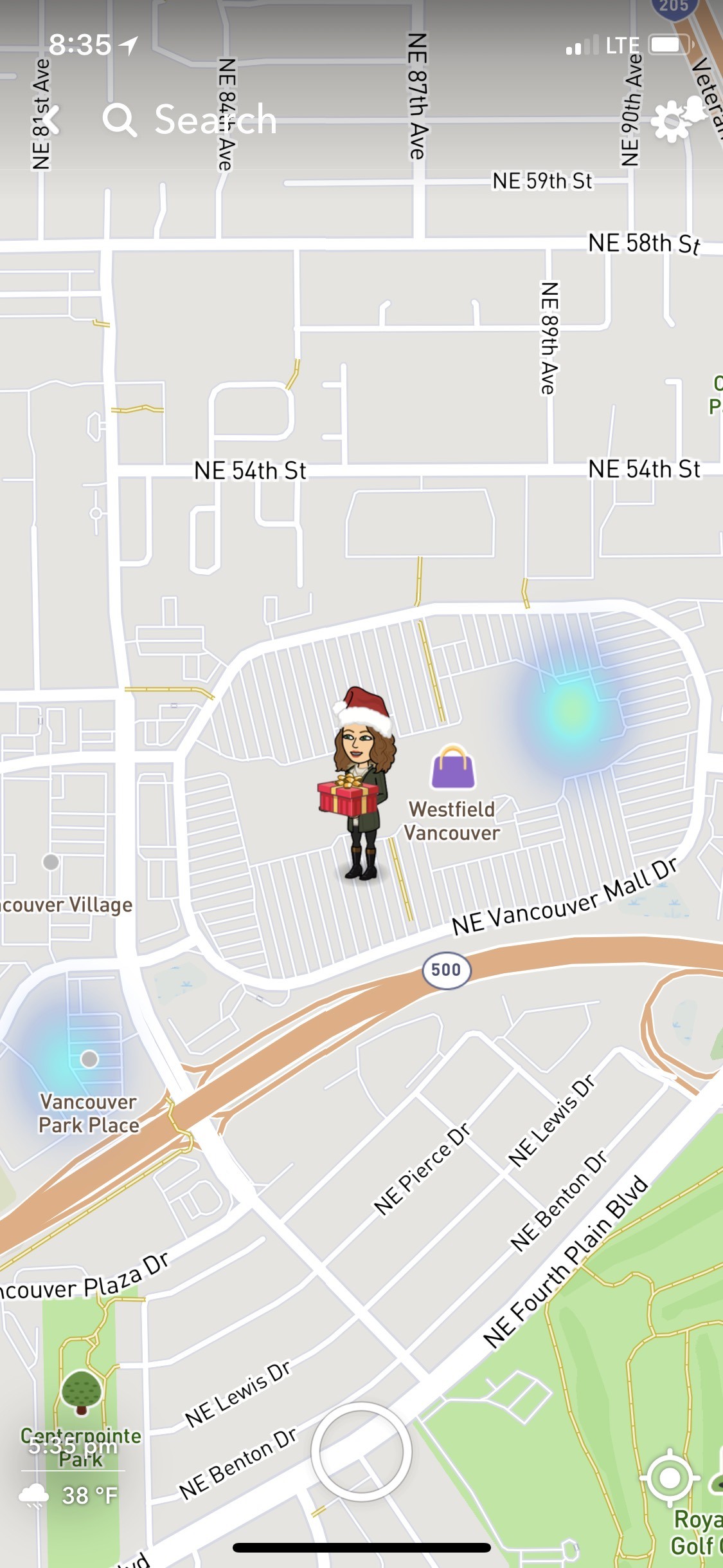 Bitmoji with Christmas Presents or Wrapped Gifts on Snapchat Map ...